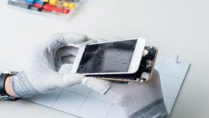 iphone 6 screen being replaced