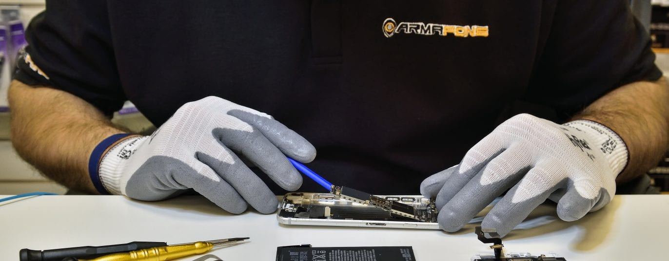 iphone repair service header image